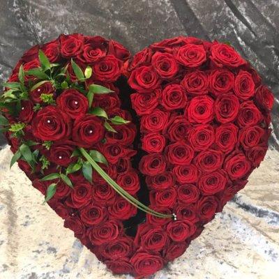 Broken-Red-Heart-Funeral-Tribute