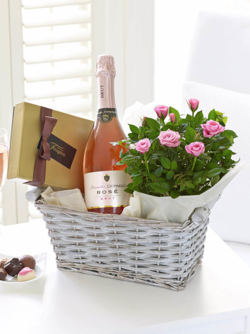 Luxury Sparkling Rose Gift Basket